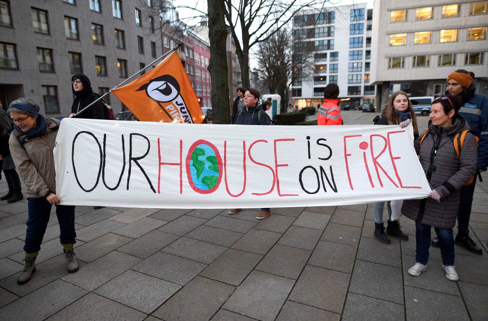 Climate activists protest in front of the Siemens office in Hamburg