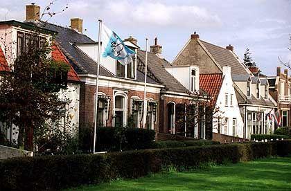 Schiermonnikoog: Häuser im traditionellen Stil