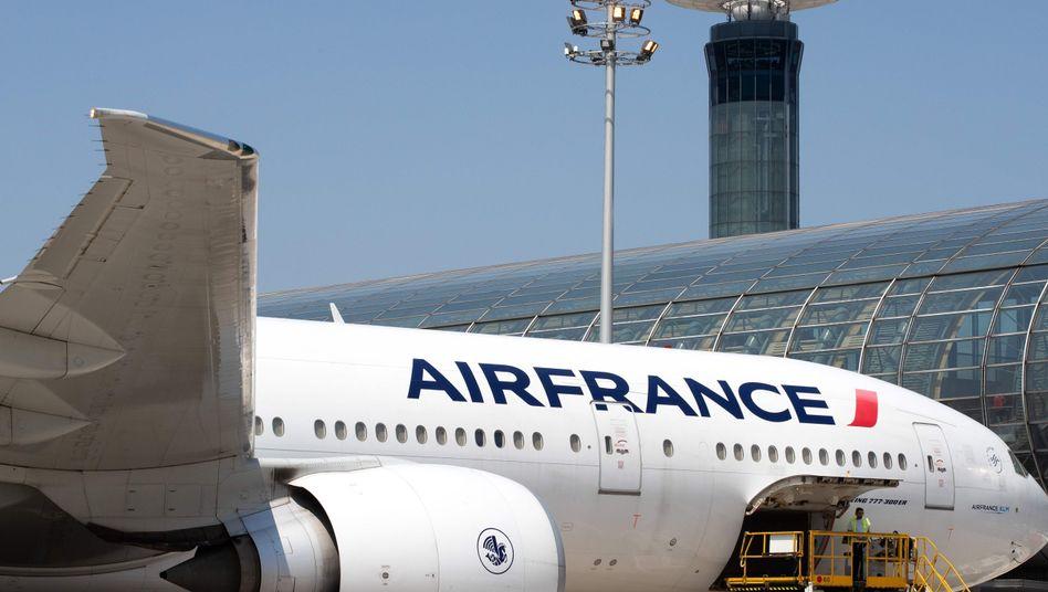 Eine Boeing 777 von Air France auf dem Pariser Flughafen Charles de Gaulle
