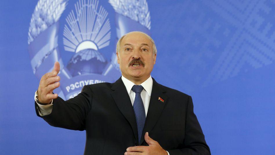 """Lukaschenko bei einer Pressekonferenz nach der Wahl: """"Vertrauen der Bevölkerung"""""""