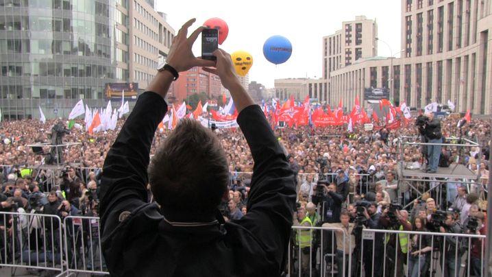 Kundgebung in Moskau: Nawalny macht ein Foto von seinem Publikum