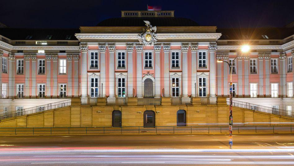 Der brandenburgische Landtag in Potsdam am Abend der Landtagswahl: Gespaltenes Land