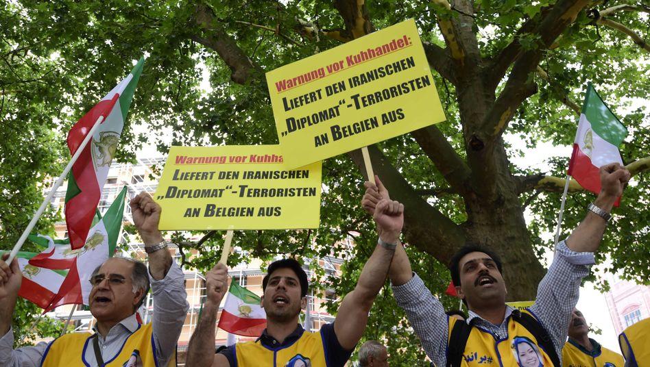 Iranische Befürworter der Auslieferung in Berlin