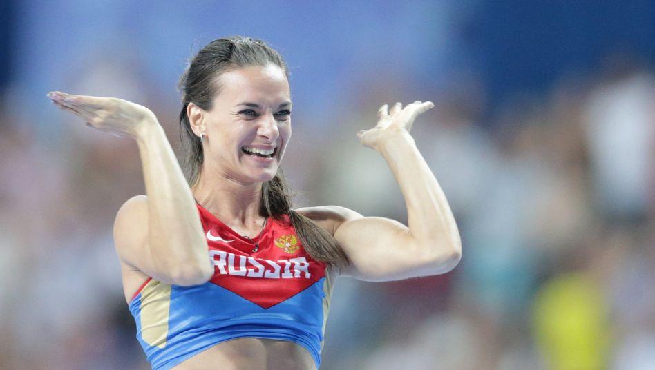 Russlands Star Issinbajewa: Begeisternder Auftritt in Moskau