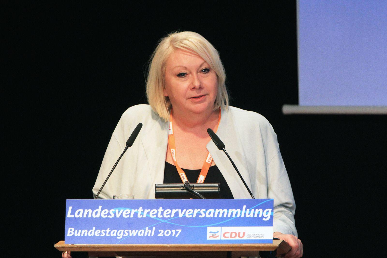 EINMALIGE VERWENDUNG Karin Strenz