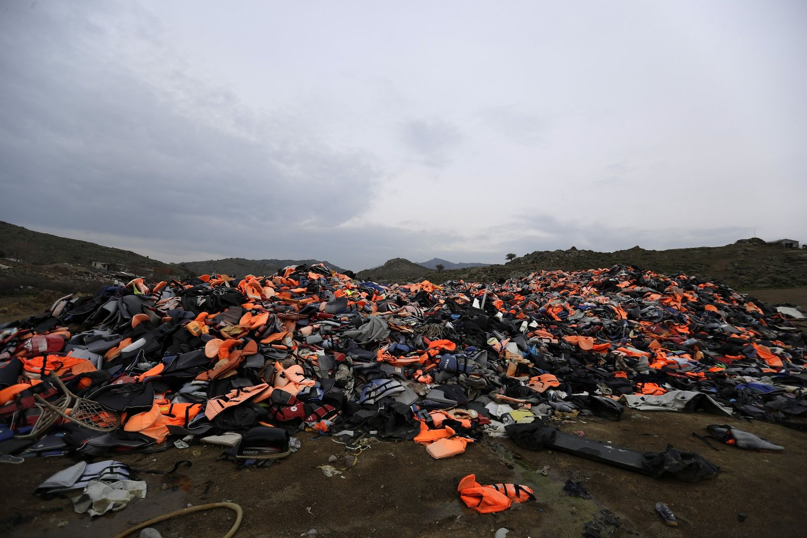 SYMBOLBILD EU/ Turkei/ Flüchtlingspakt/ SchwimmwestenDeal