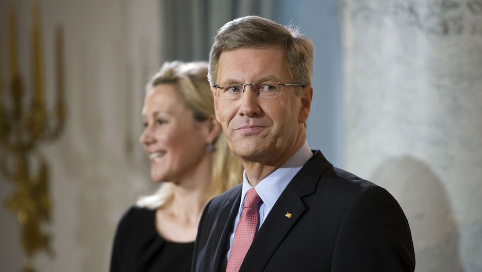 German President Christian Wulff is under fire. Still.