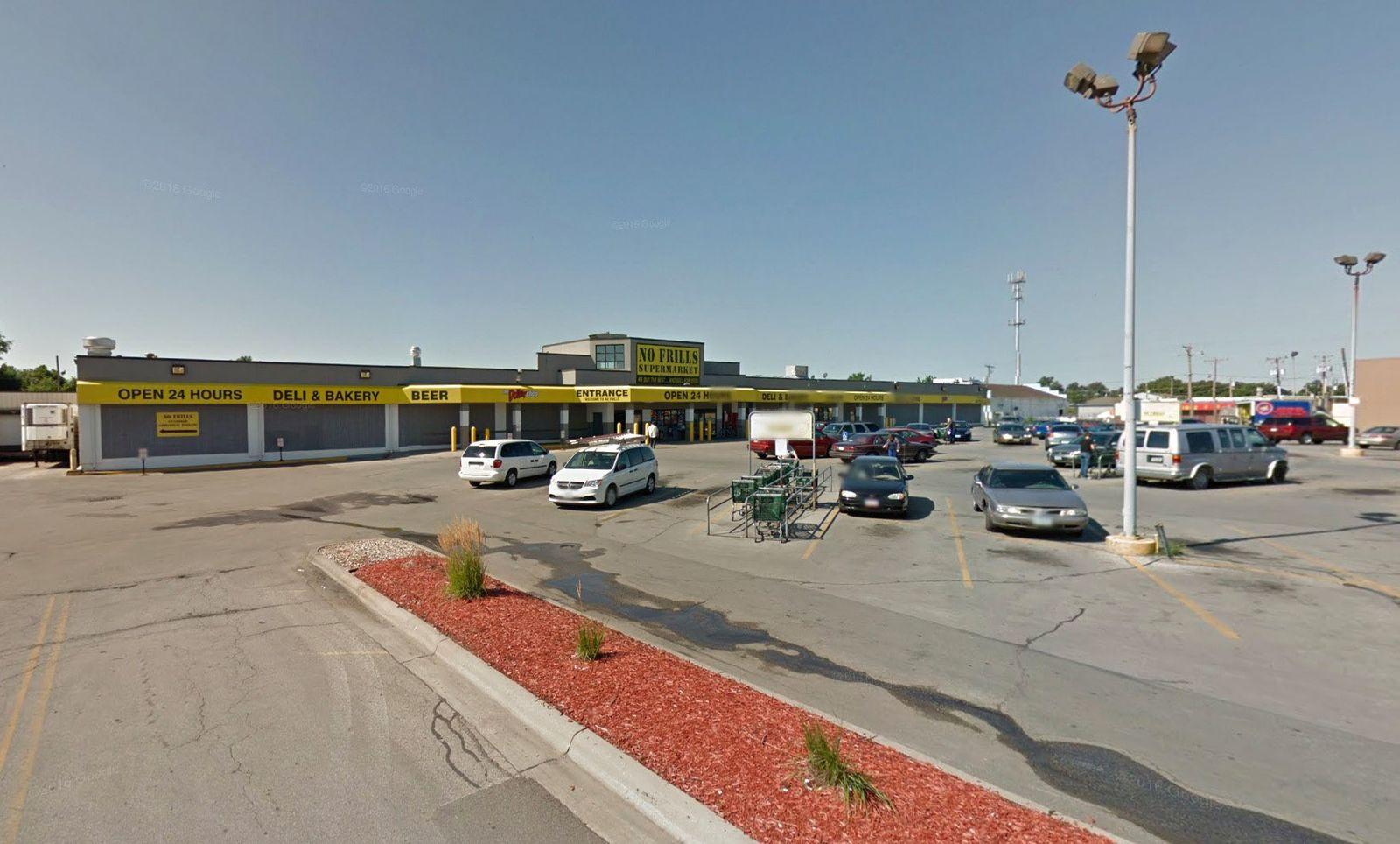 Iowa/ Council Bluffs/ No Frills Supermarket