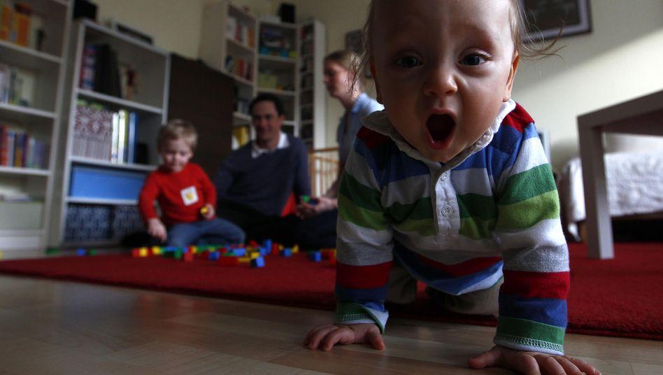 Familienglück in Bayern: Flyer für 55.000 Haushalte