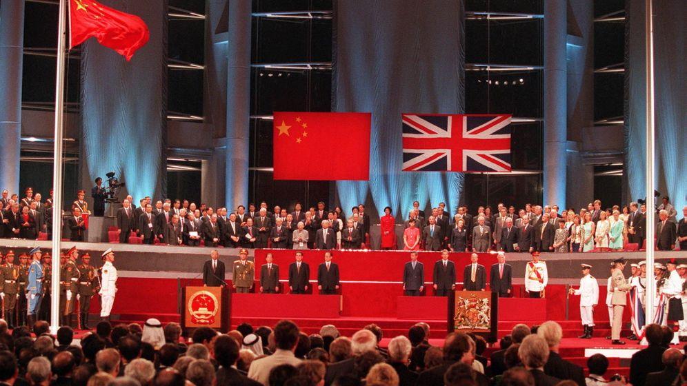 """Hongkong wird wieder chinesisch: Ein """"Bastard, gezeugt vom britischen Löwen und chinesischen Drachen"""""""