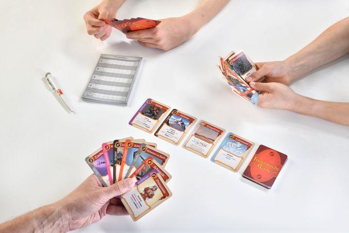 »Fantastische Reiche« ist ein leicht zu erlernendes Kartenspiel, das es in sich hat
