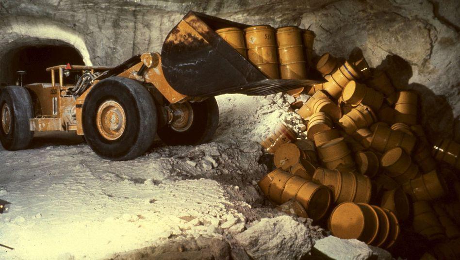 """Radlader mit Atommüll in der Asse (Archivbild): """"Wir sehen dazu keine Alternative."""""""