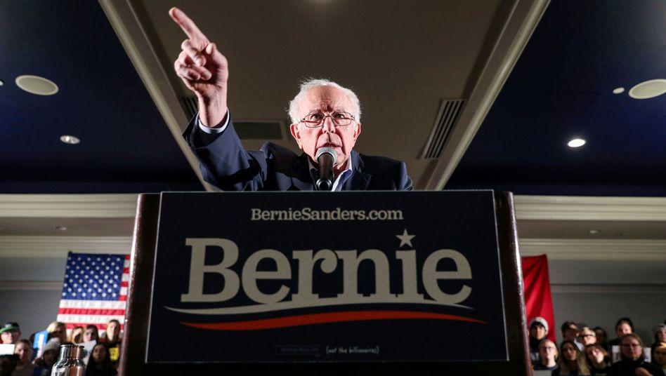Bernie Sanders auf einer Veranstaltung in Iowa City