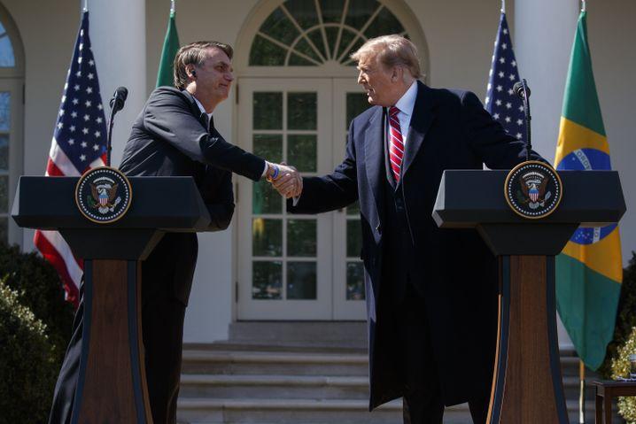 Bolsonaro und Trump im Rosengarten