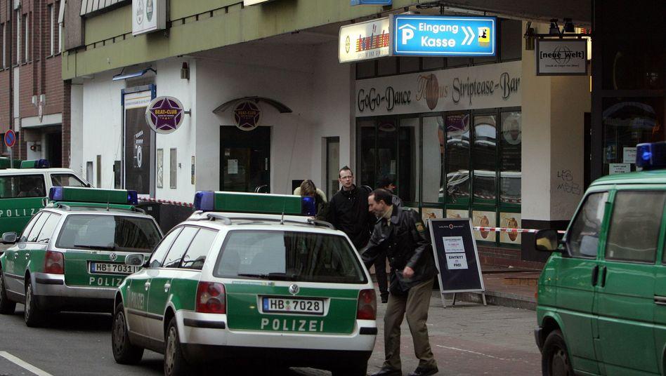 """Polizeieinsatz nach einer Schießerei in der Bremer Innenstadt (Januar 2006): """"Die betrachten uns als Opfergesellschaft"""""""