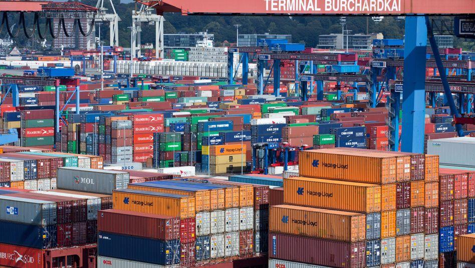 Container im Hamburger Hafen: Die Nachfrage aus dem Ausland ist schwach