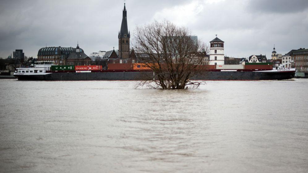 Wetter: Schneechaos, Lawinengefahr und Hochwasser