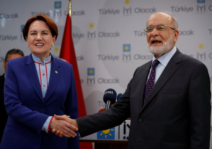 Frühere Innenministerin Meral Aksener, Saadet-Chef Temel Karamollaoglu