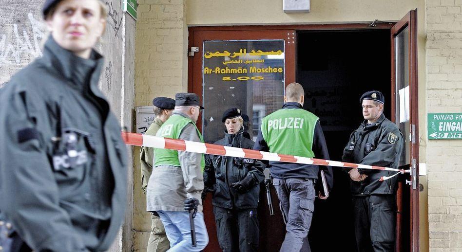 Polizeieinsatz gegen zwei Islamisten in Berlin