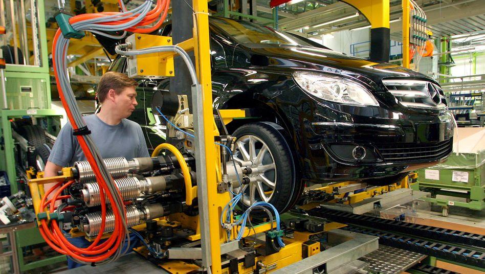 """Daimler-Produktion (Archivbild): """"Wichtiges Signal zur Stärkung der Binnennachfrage"""""""
