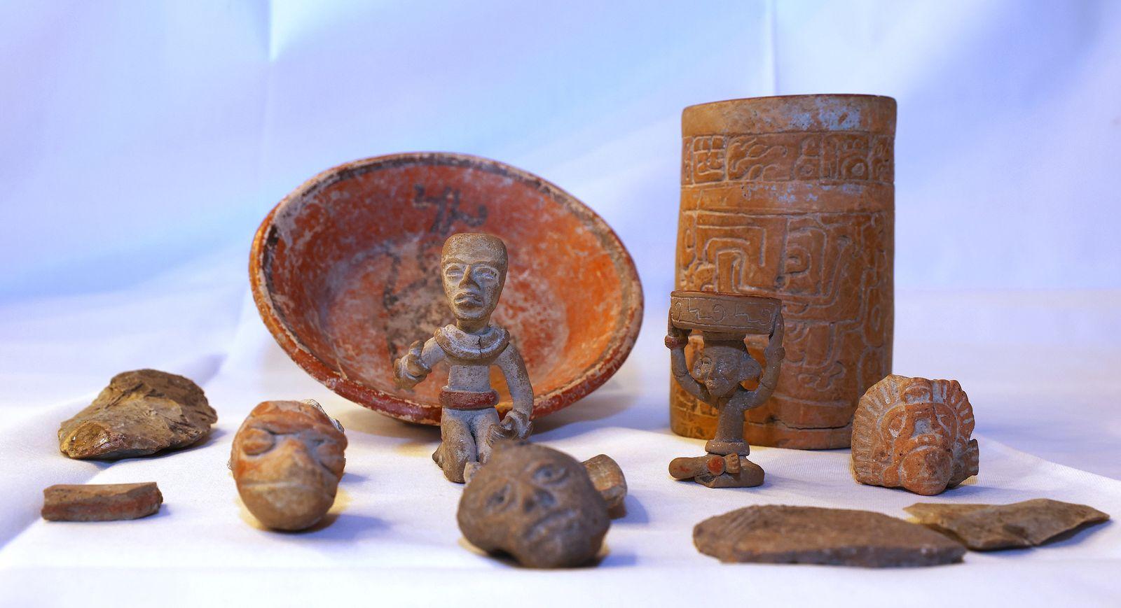Präsentation von Maya-Skulpturen in der Staatskanzlei