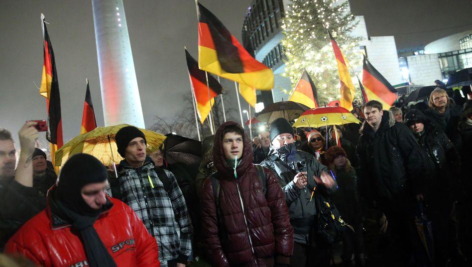 """Pegida-Aufmarsch in Düsseldorf: """"Die Diskussion gehört nicht auf die Straße"""""""