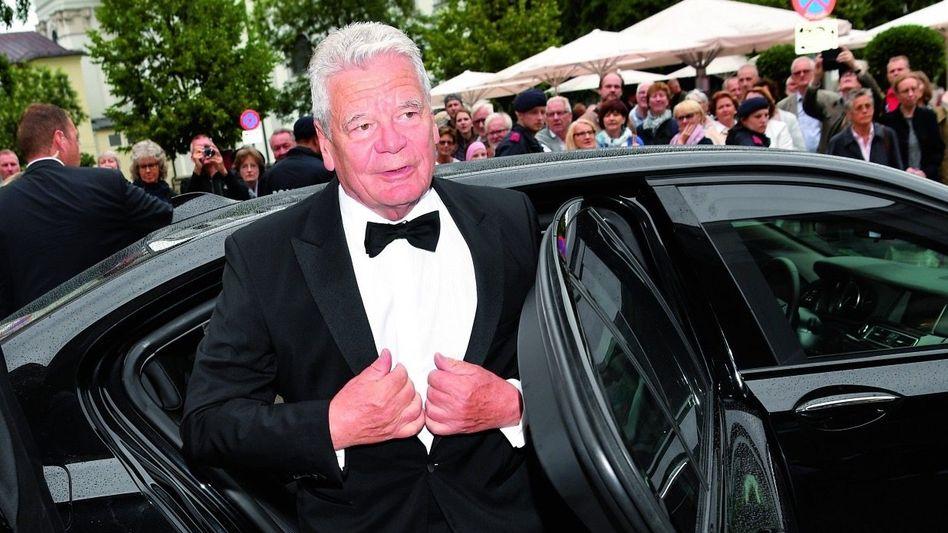 Altpräsident Gauck bei den Salzburger Festspielen