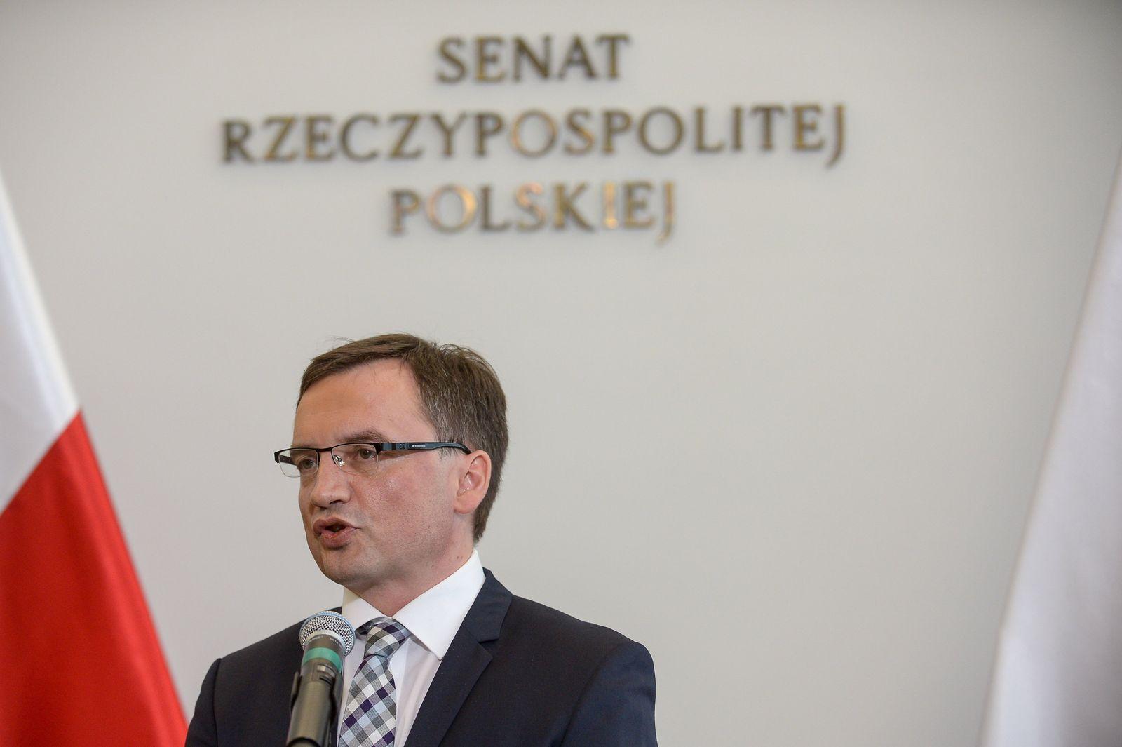 Senatssitzung in Warschau zur umstrittenen Justizreform
