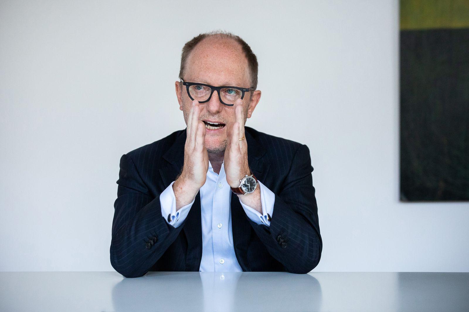 Michael Zahn - Vorstandschef der Deutsche Wohnen im Interview in der Berliner Zentrale