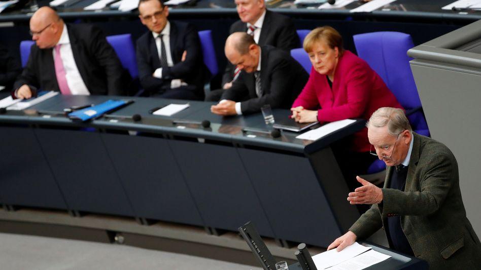 Alexander Gauland (AfD) am Rednerpult bei der Generaldebatte im Deutschen Bundestag