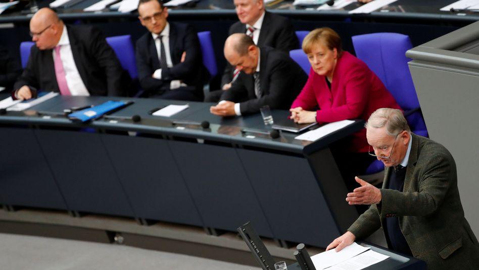 AfD-Fraktionschef Gauland und Kanzlerin Merkel