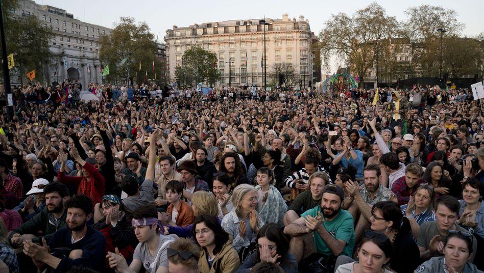 """Protestaktion der Umweltaktivisten von """"Extinction Rebellion"""" in Großbritannien"""