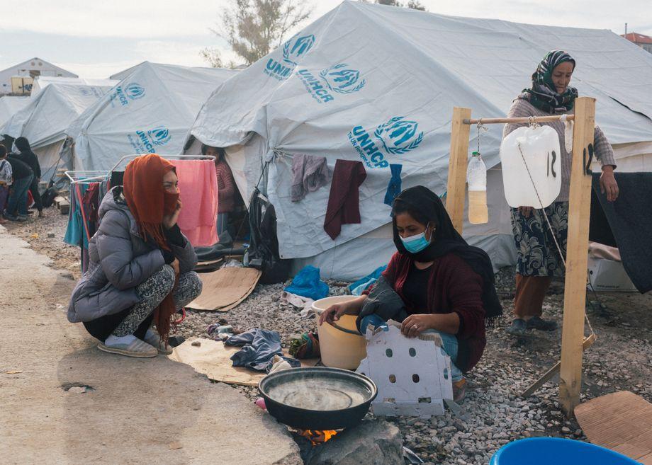 Im Camp fehlt es noch immer an fließendem Wasser und verlässlicher Elektrizität