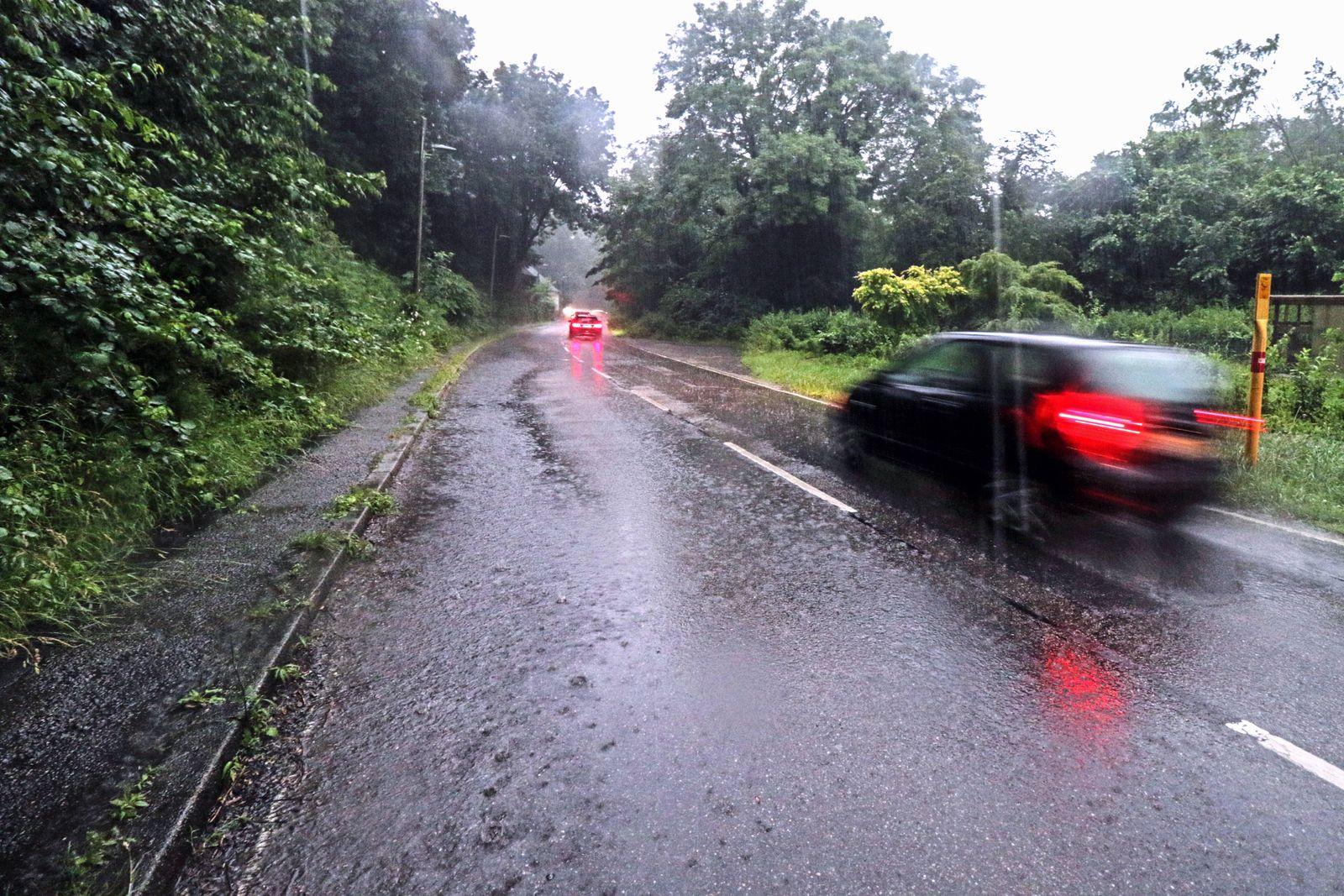 Unwetter in Essen GPS Standortwarnung vor einem Unwetter in Essen vor schweren Gewittern mit heftigen Starkregen und Ha