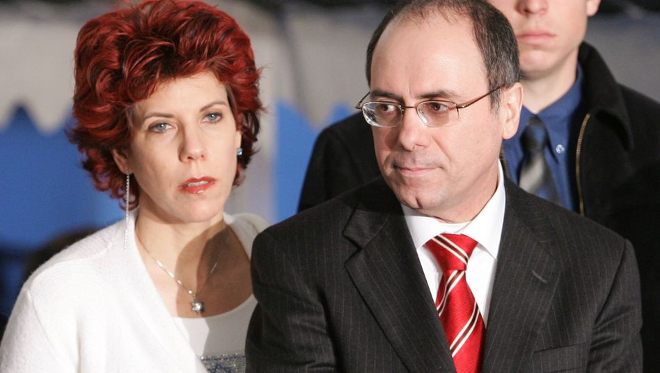 Minister Shalom mit Ehefrau Judy Mozes (Archivbild): Rassistischer Obama-Witz