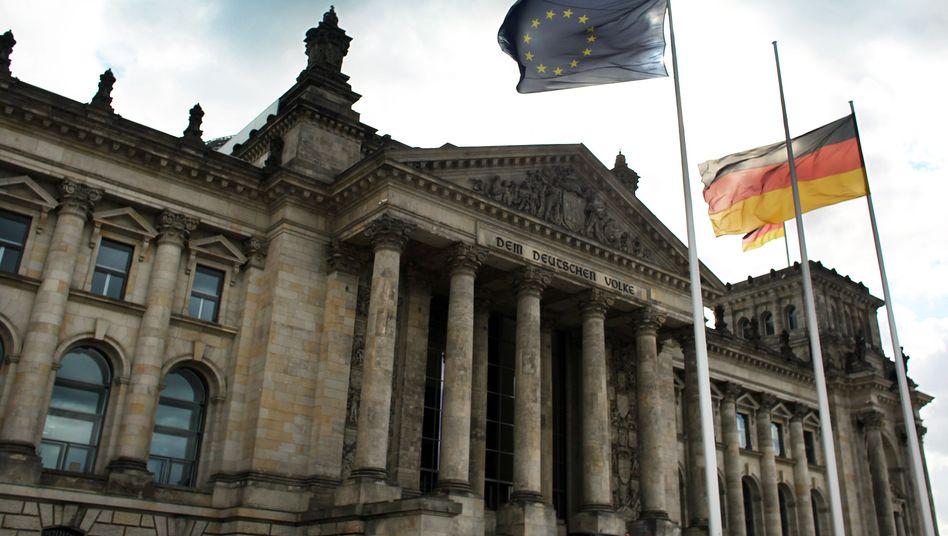 """Reichstag in Berlin: """"Deutsche würden Einkommen und Arbeitsplätze verlieren"""""""