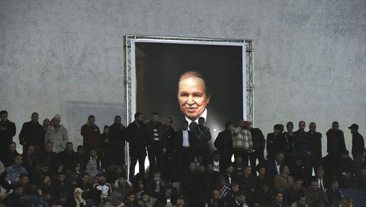 Machtkampf in Algerien: Wer regiert in Algier?
