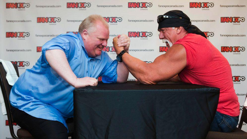 Duell im Armdrücken: Bürgermeister vs. Ex-Wrestler