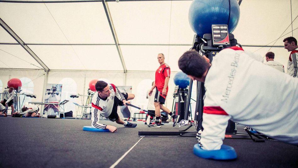 Verstegen mit der deutschen Nationalelf: Training für Körper und Geist