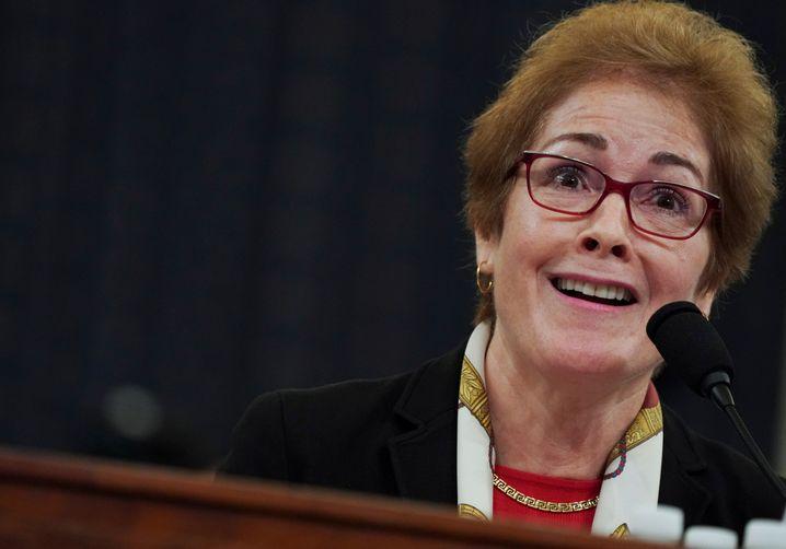 Über Nacht abgesägt: Ex-Botschafterin Marie Yovanovitch