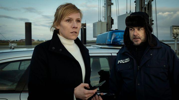 Kommissarin Grosz (Franziska Weisz): Dem Kollegen Falke zu Hilfe kommen