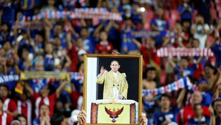 Thronjubiläum von König Bhumibol: Thailand in Trauer