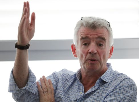 Ryanairchef Michael O´Leary geht von deutlich weniger Fluggästen bis März aus (Archivbild)