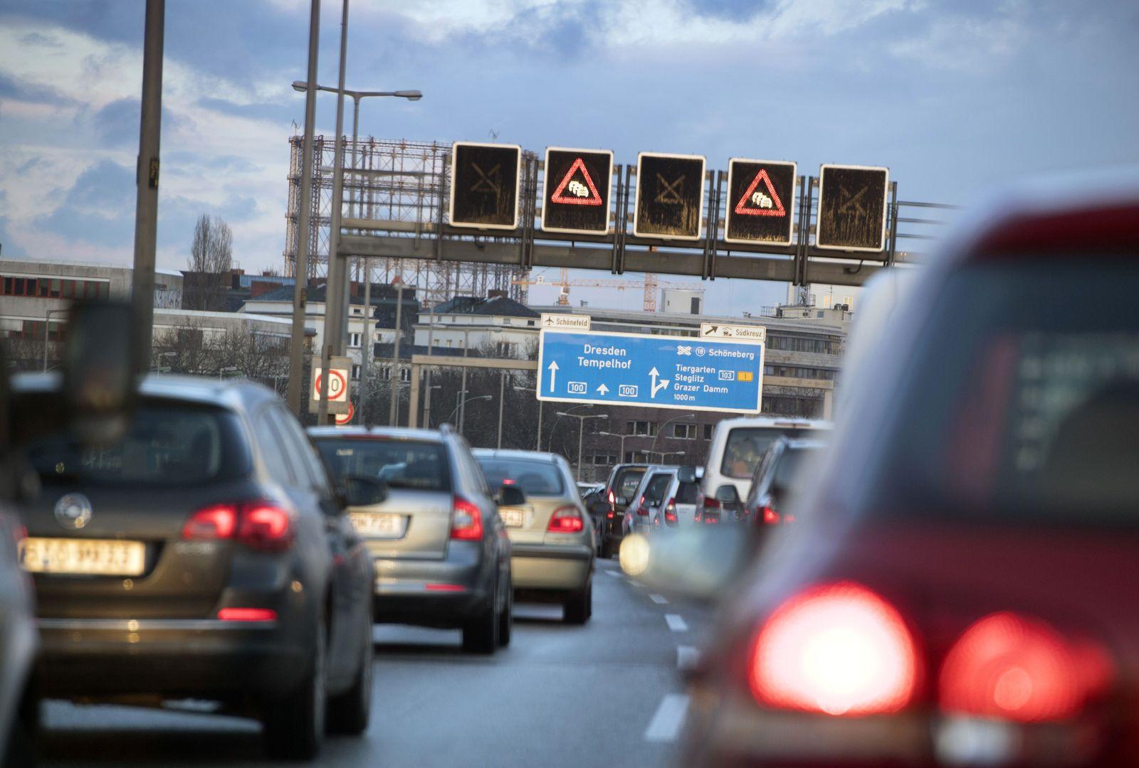 Verkehr in Berlin/ Autos/ Stau