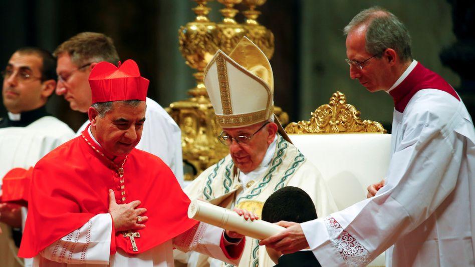 Giovanni Angelo Becciu 2018 mit Papst Franziskus