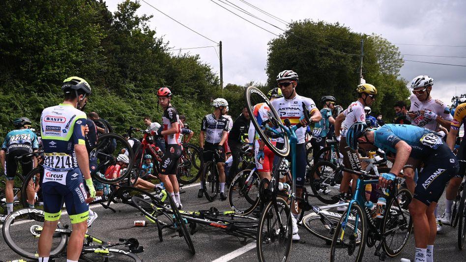 Auf der ersten Etappe der Tour de France war es zu einem schweren Unfall gekommen