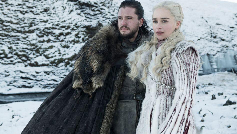 Emilia Clarke als Daenerys Targaryen und Kit Harington (Jon Snow) in einer Folge der achten Staffel von «Games of Thrones»