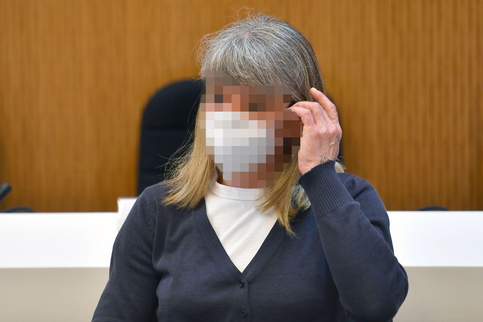 Prozessauftakt Strafverfahren gegen Susanne G. wegen des Verdachts der Vorbereitung einer schweren staatsgefaehrdenden Gewalttat.