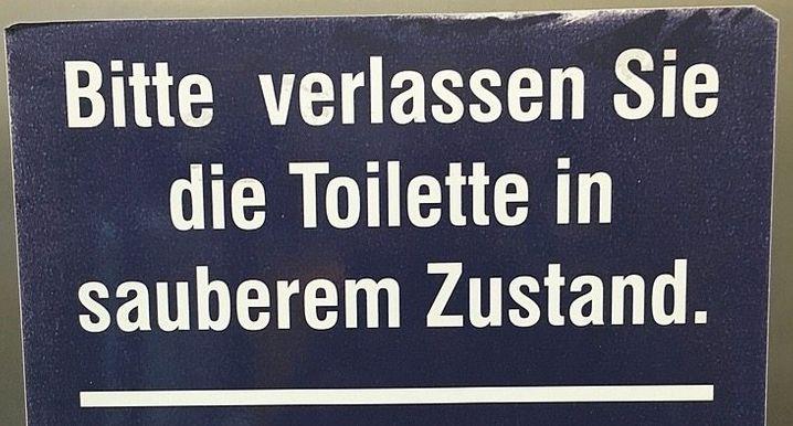 Schild am Bahnhof Kassel-Wilhelmshöhe