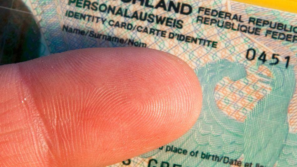 Der Fingerabdruck wird zum Echtheitsmerkmal für den Personalausweis